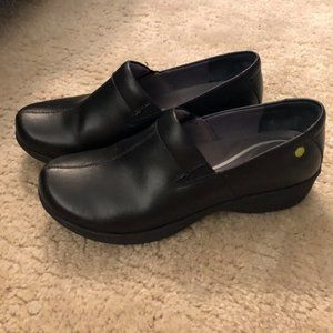 Black Dansko Work Wonders Clogs Size 40 Like-new